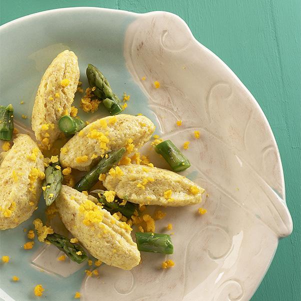 Morbidi gnocchetti con asparagi e uova!